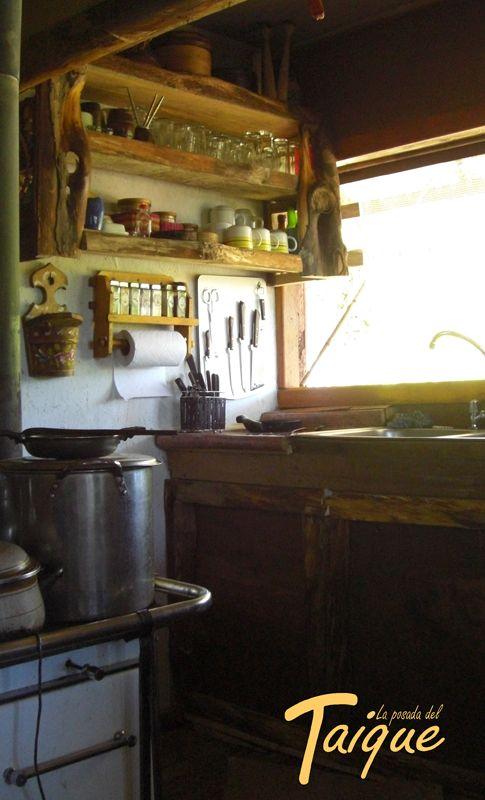 Cocina Rustica hecha de Mañio- Coihue y Canelo