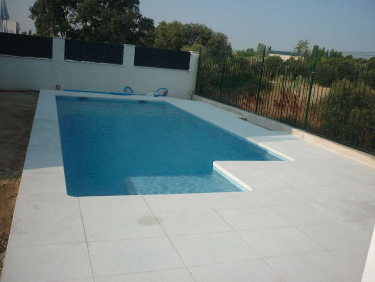 19 best images about piscinas en pinterest colores for Piscinas con gresite blanco
