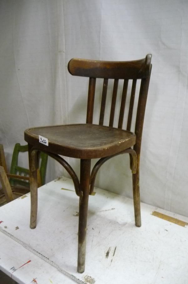 9178. Alter Bugholz Stuhl Old wooden chair
