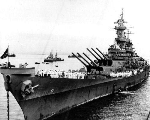 USS Missouri in Tokyo Bay 2 September 1945