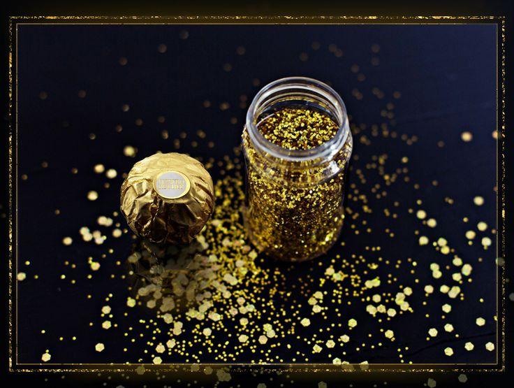 [Thalie] Enchantez vos convives sous une pluie magique de paillettes d'or.