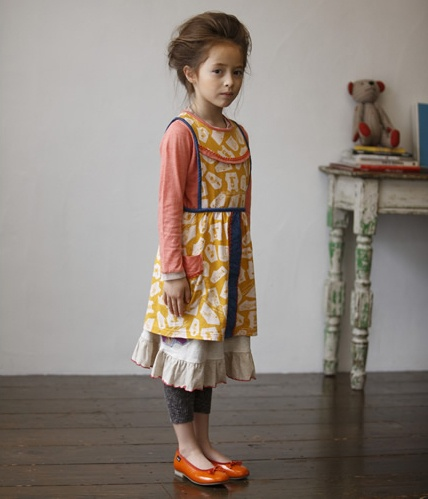 currently obsessed with aprons and pinafores as a preschool coverall...