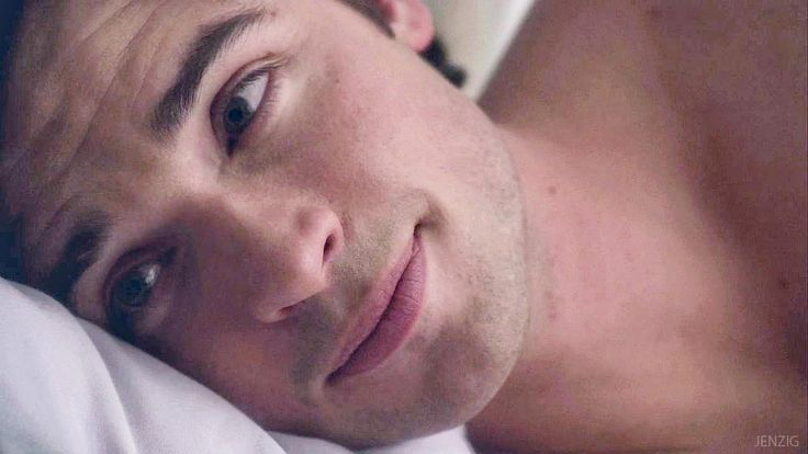 Tom Welling... waking up to that face...