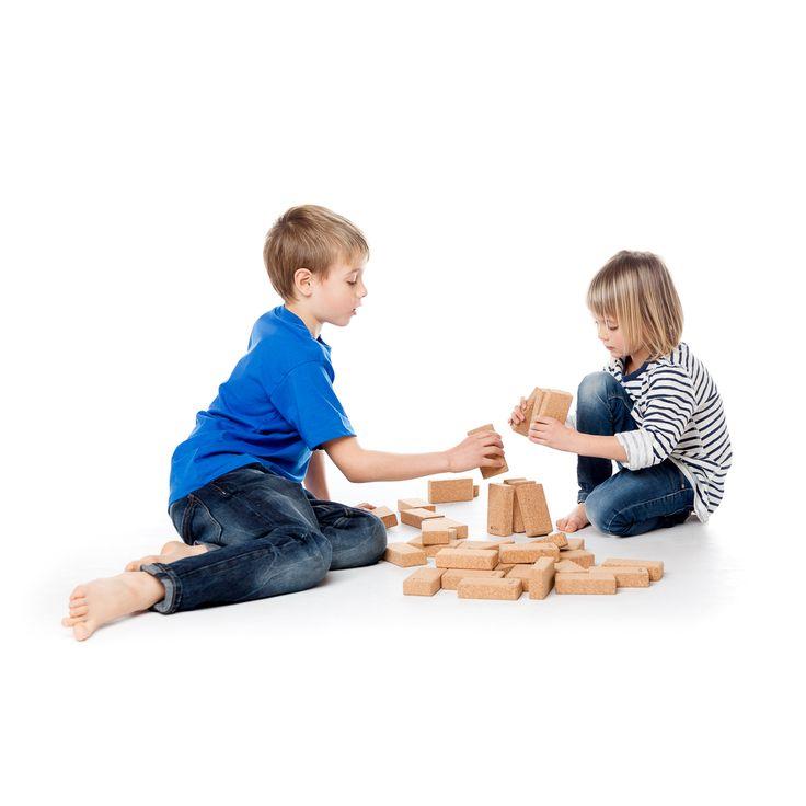 Hory cork construction blocs: BLOC-15 and BLOC-25.   #joc #toy #juguete #jouet #spielzeug #suro #cork #corcho #liege #kork #disseny  #design #diseño  @hory_howoldryou #hory #eco #ecotoys #wood #woodentoys