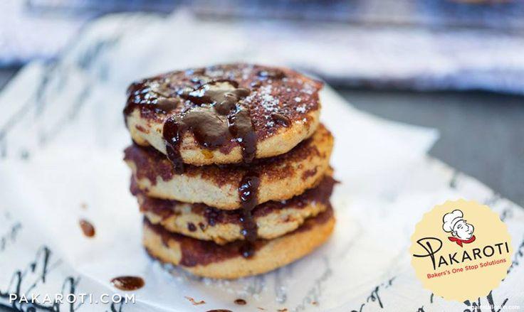 Tekstur lembut kue kering almond ini lezatnya makin maksimal dalam balutan glazur beraroma dan cita rasa terbaik, kayu manis! #BakeryProduct