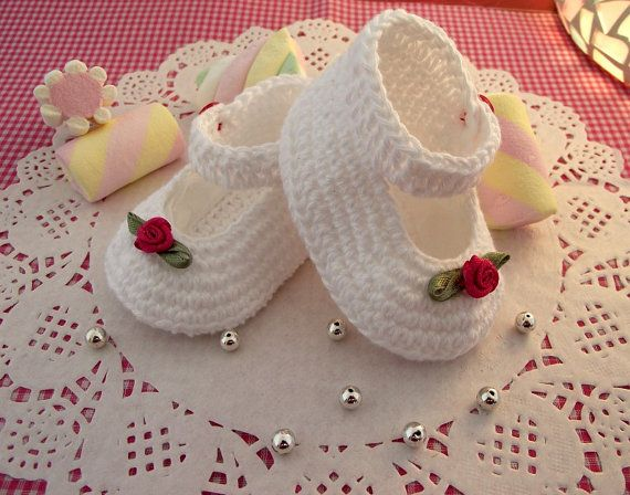 CROCHET BABY PATTERN Baby Booties Pattern  by LiliaCraftParty