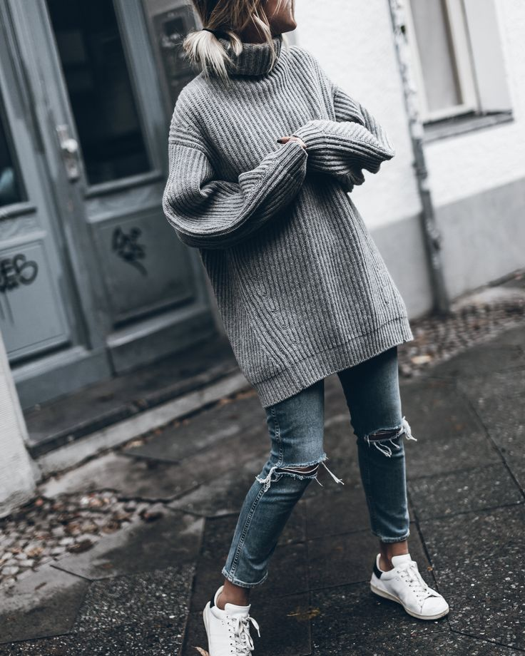 ey loves! Here's a cozy and knitty Tuesday look with my new fave Acne wool sweater that I got from Klemens for birthday, isn't it amazing? It's so warm and cozy and most important of all – photogenic ;) I love knits in all colours...