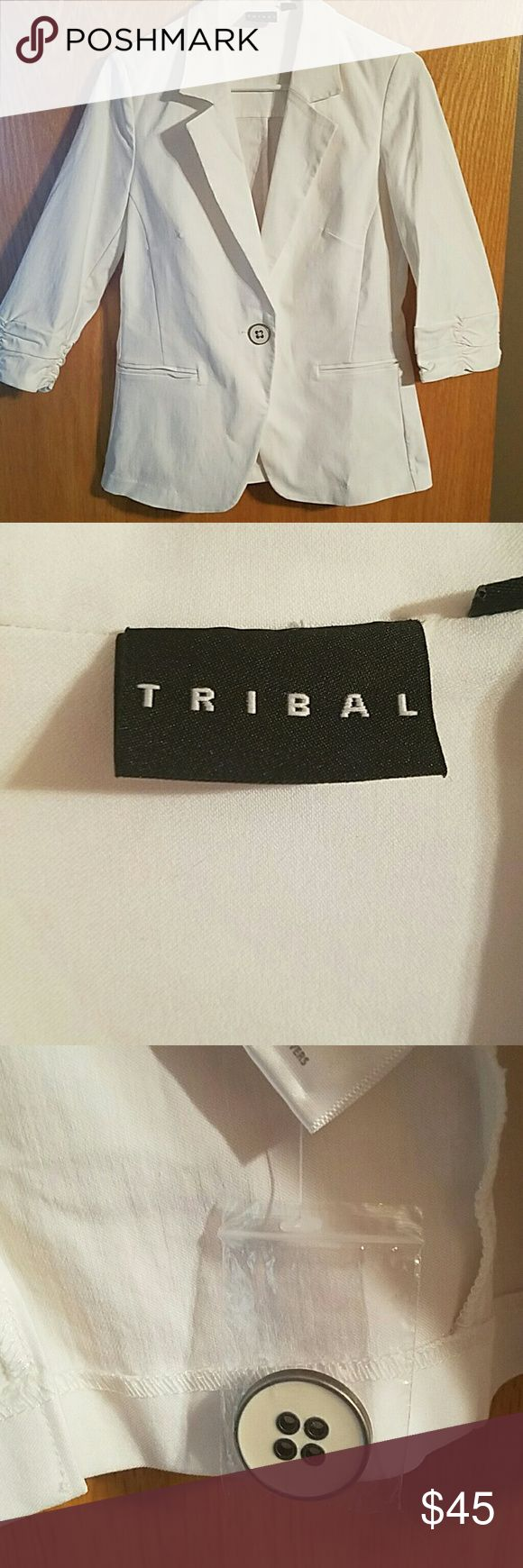 Women's suit jacket White suit jacket, NWOT never worn. Excellent condition. Super cute dressed up or dressed down. Tribal Jackets & Coats Blazers