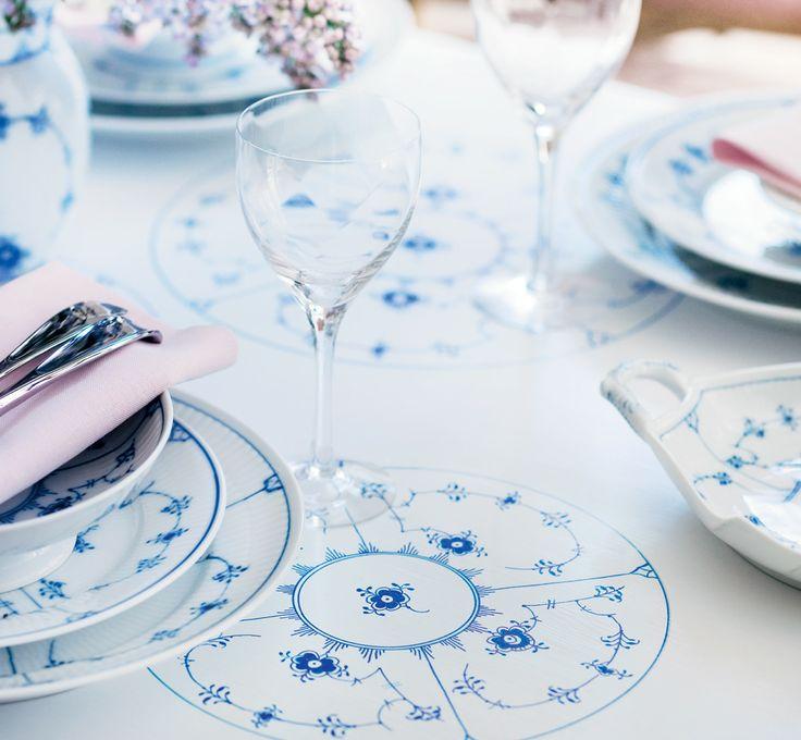 Blue Fluted Plain wedding table