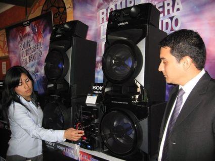 Arvioimme ääni laitteet Genezi GTR888 Sony - Life & Future | Blogit | Peru Trade