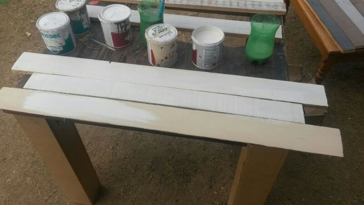 White washed planks for headboard