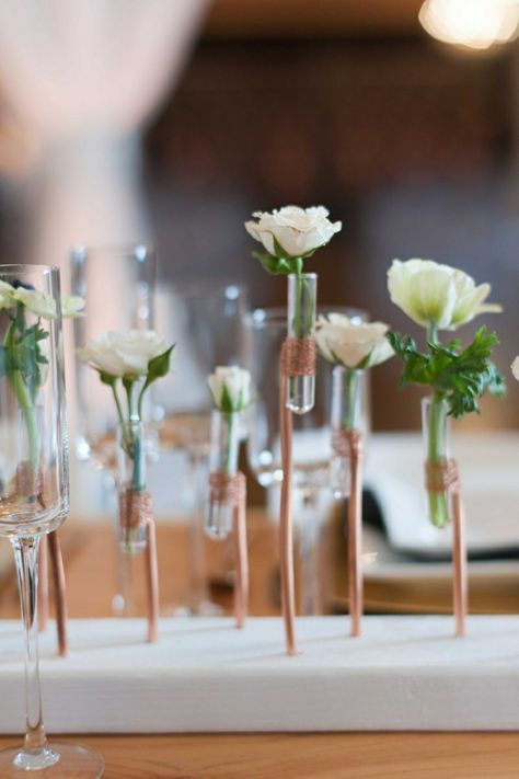 Deko Hochzeit Weisse Rosen Reagenzglas Draht Kupfer Schmuck