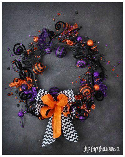 Halloween Shop - Gorgeous handmade little girl skirts and fun Halloween wreaths.