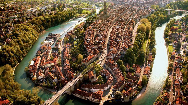 Ένας από τους δημοφιλείς προορισμούς της Ευρώπης, η Ελβετία «μαγεύει» όχι μόνο τους Ευρωπαίους, αλλά και ταξιδιώτες από Αμερική και Ασία από την εποχή του Grand Tour (1660-1840) που ήταν το παραδοσ…