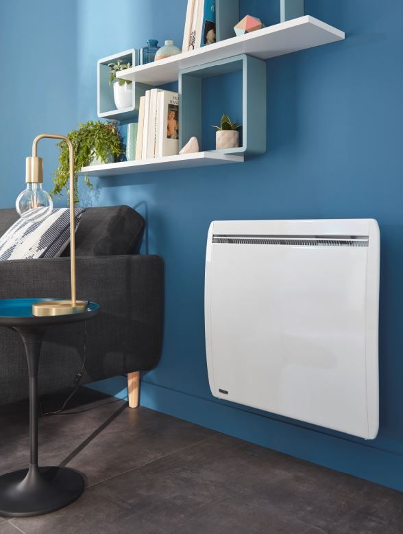 Radiateur électrique à double cœur de chauffe et Inertie sèche. Pour chambre, séjour, cuisine. Equipé d'un écran numérique, d'une sécurité enfant (verrouillage commande) et d'un détecteur de fenêtre ouverte. /  Castorama #radiateurelectrique