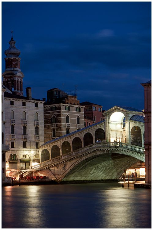 Rialto Bridge, Venice, Italy. Astrogeographic position: both coordinates are in the air sign Libra the sign of beauty and decoration and a major indicator for bridges. Valid for field level 4.