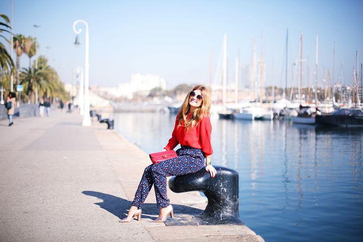 Casual Look. Look jersey rojo y pantalón estrellas. A trendy life. #casual #atloutfits #look #stars #redbag #zalando #chanel #outfit #fashionblogger #atrendylife www.atrendylifestyle.com