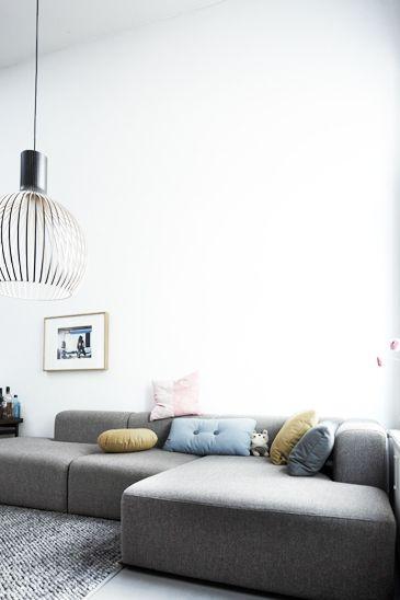 25 best ideas about vintage sofa on pinterest velvet. Black Bedroom Furniture Sets. Home Design Ideas
