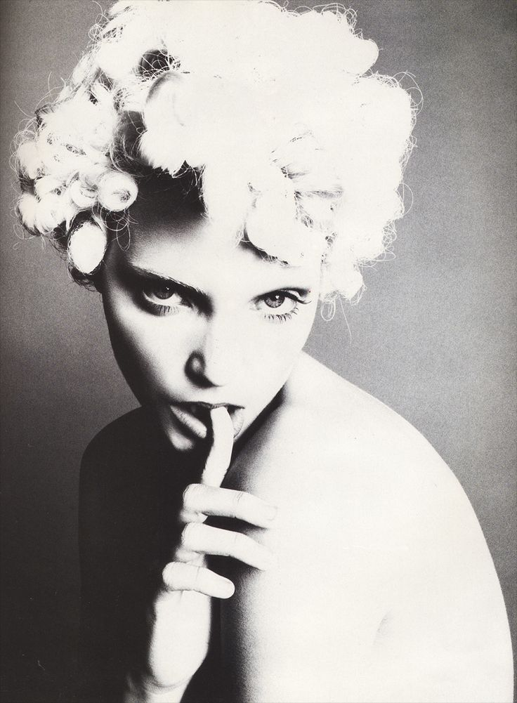 Nadja Auermann    photo by Steven Meisel, 1992