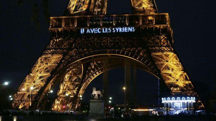La Tour Eiffel brille pour les victimes du conflit syrien