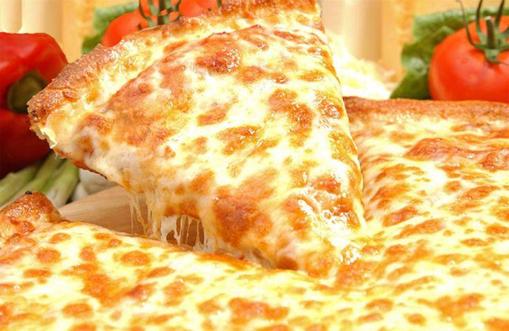 Пицца с сыром https://foodmag.me/pitstsa-s-syrom  Время приготовления: 50 мин. Сложность приготовления: Просто Количество порций: 8 Количество ингредиентов: 7  Ингредиенты: 150 г муки.  50 г сливочного масла.  4 яйца. 1 стакана молока.  соль. 150 г швейцарского сыра.  черный молотый перец.  Этапы приготовления: Готовим тесто. 50 грамм сливочного масла растопить, смешать с 150 грамм муки, вбить 1 яйцо, добавить 0.5 стакана молоко и соль. Вымесить тесто. Готовим начинку. Сыр нарезаем…