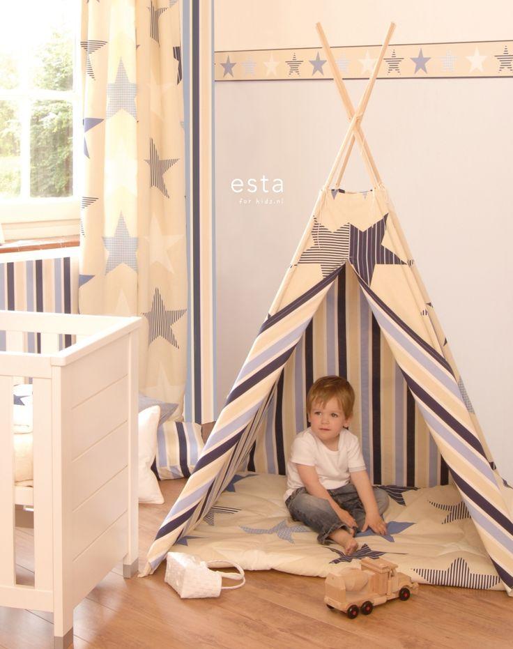 wallpaper stars beige and blue Keek-a-boo 174606 #behang #behangrand #Tapete #Tapetenborte #papier peint #frise #wallpaper #border #papel pintado #papel tapiz #cenefa #carta da parati #bordo #sterren #beigeenblauw #stars #beigeandblue #Sterne #BeigeundBlau #étoiles #beigeetbleu #stelle #beigeeblu #estrellas #beigeyazul #ESTAhome.nl  #Keek-a-boo#babykamer #Babyzimmer #dormitorio bebe #chambre bébé #camera da letto bimbi #nursery #jongenskamer #Jungenzimmer #dormitorio chicos #chambre garcon…