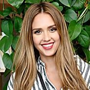 Pregnant Jessica Alba Schools Us in the Art of Styling the Casual Maxidress