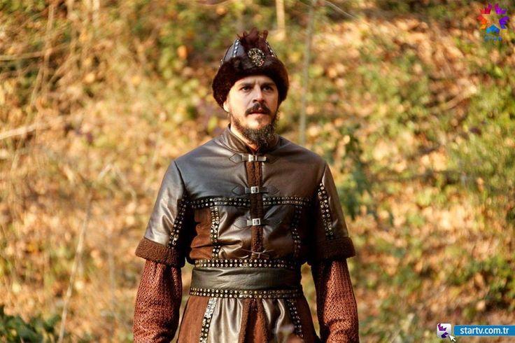 Şehzade Mustafa (Mehmet Günsür) -