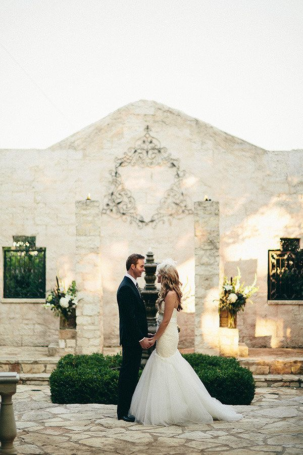 Austin Wedding At The Vista On Seward Hill Http Www Stylemepretty Venues Texasbackdrops For Weddingswedding