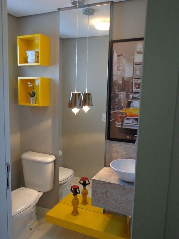 toque de cor no banheiro cinza