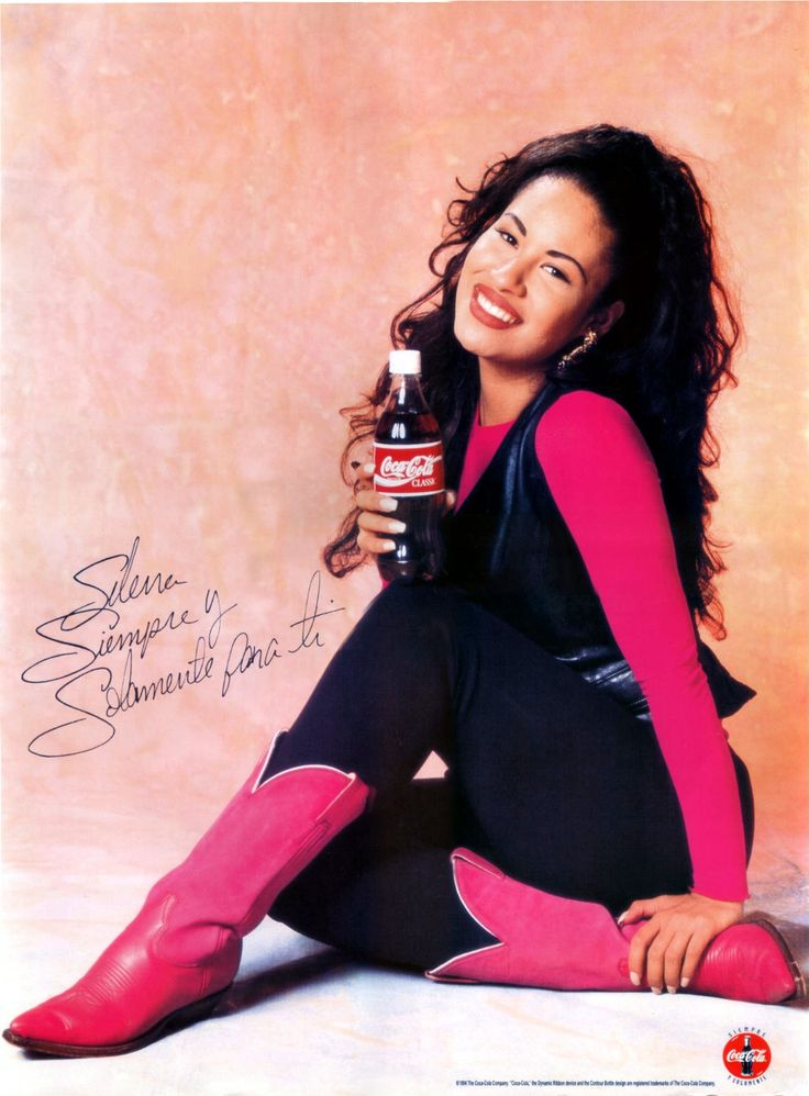 Remembering The Queen Of Tejano - Selena Quintanilla Perez. So beautiful:'(
