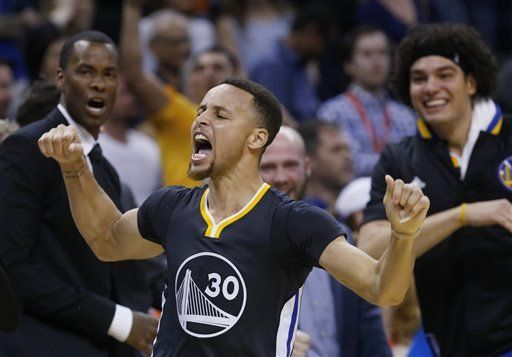 Stephen Curry out against Hawks with injured left ankle - http://www.thelivefeeds.com/stephen-curry-out-against-hawks-with-injured-left-ankle/