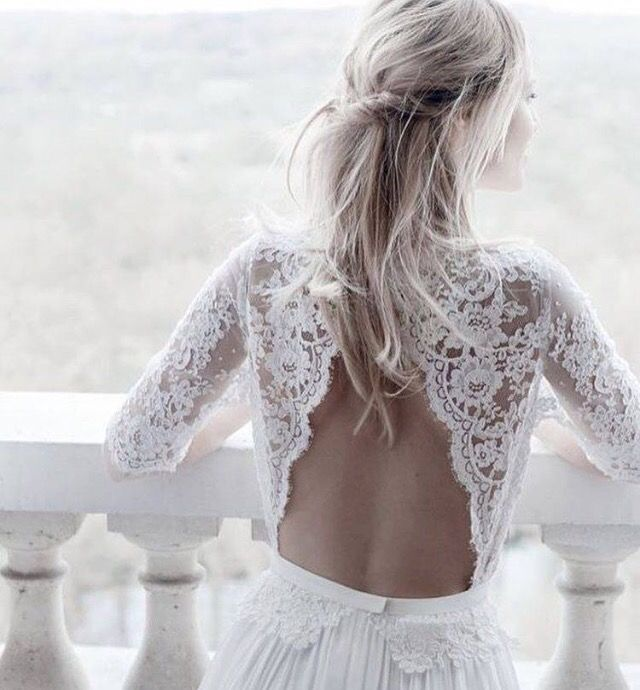 Wedding dress Valencia with open back and long sleeves will charm your guests  #tinavalerdi