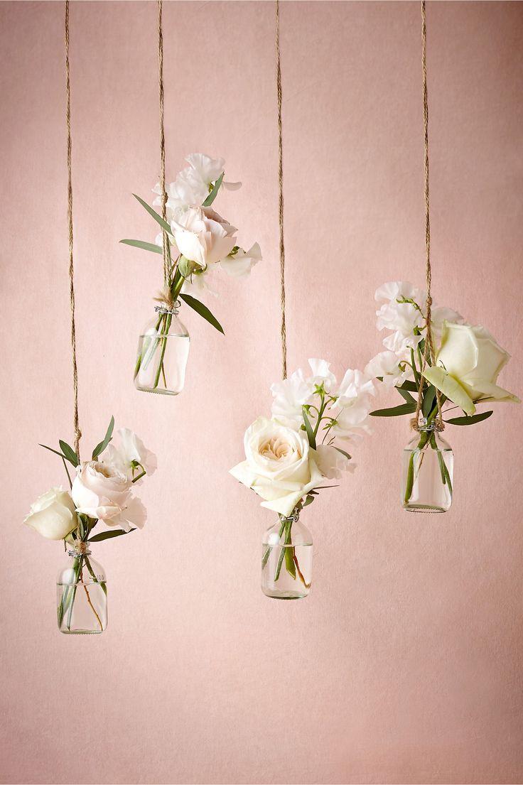 Frascos colgantes para decoración de bodas rústicas. #BodasRusticas