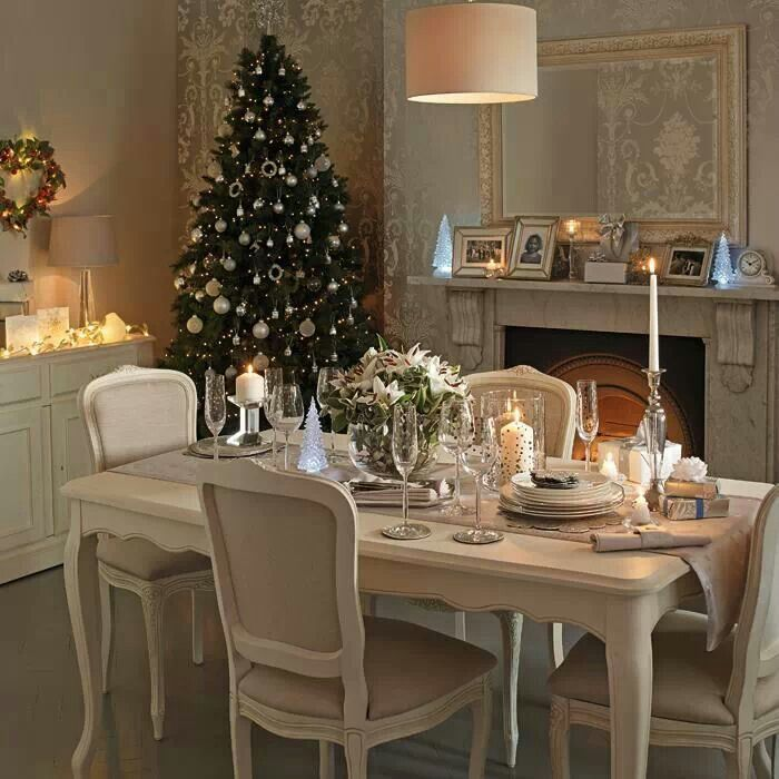 17 Best Ideas About Christmas Dining Rooms On Pinterest: 17 Best Laura Ashley Images On Pinterest