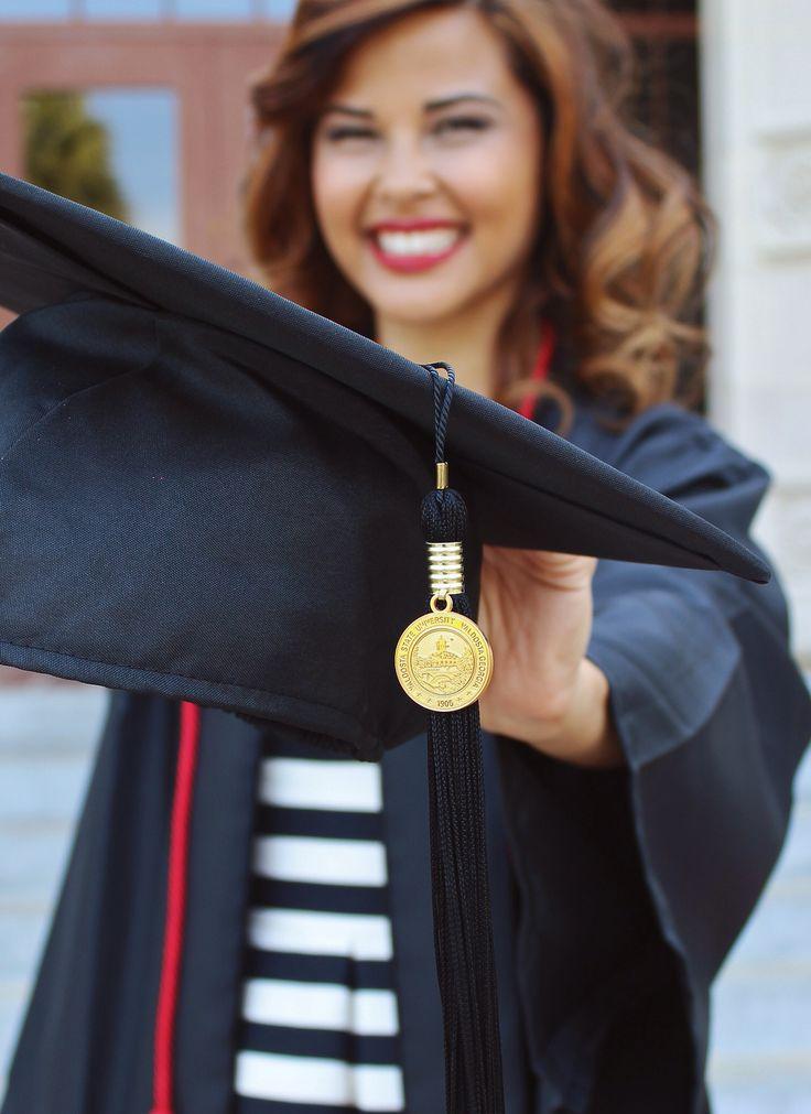 College graduation picture & makeup. Photo by: Kaitlin D. White Location: Valdosta State University #VStateGrad
