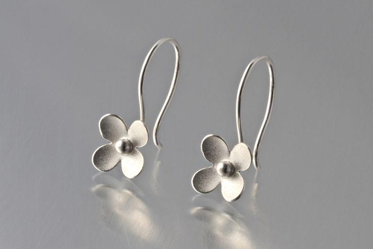 mini flowers (loop) - elise moran