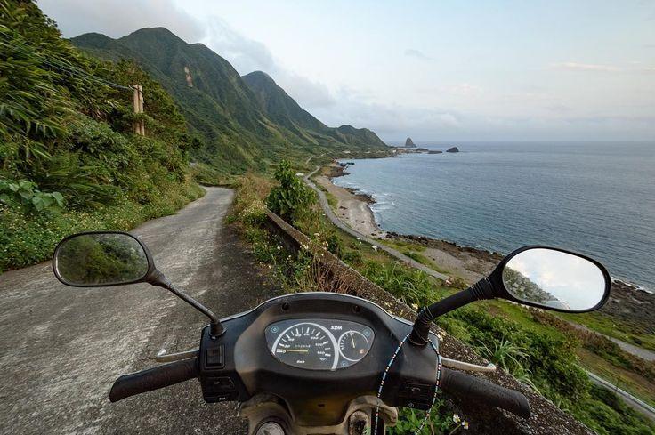 Na motorce okolo Orchid Island! #tofutaiwantours #tofutaiwan #životnataiwanu #cestování #taiwan  #tchajwan #tchaj-wan #tchajwannenithajsko #taiwanisnotthailand #iseetaiwan #igtaipei #igtaiwan #exploretaiwan #taiwanwalker #biglittleisland #amazingtaiwan #focus_taiwan #台灣 #대만 #ไตหวน #Тайвань #تايوان #lanyu