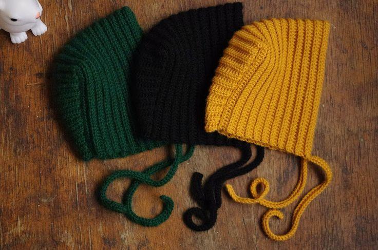 Patron béguin en une seule pièce Taille: 9 à 24 mois environ (modèle assez extensible grâce à la nature du point) Crochet n°4 2x50...