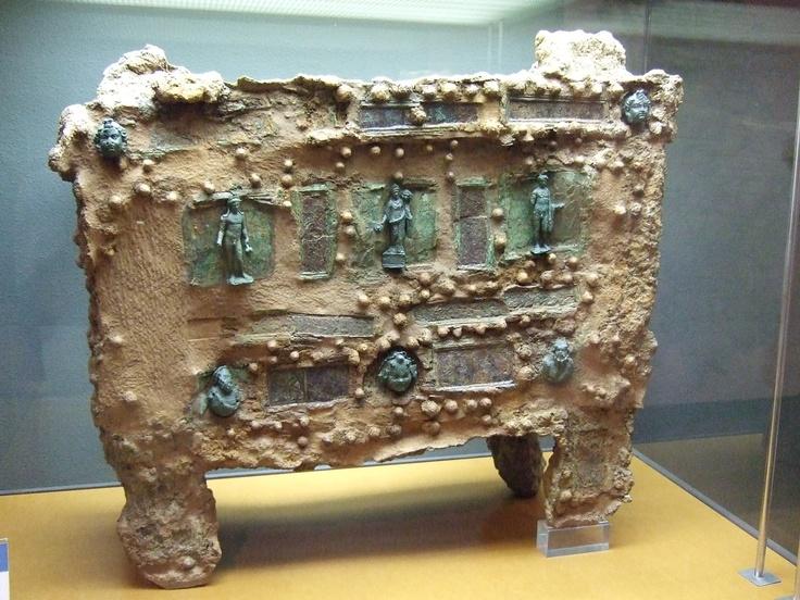 Restos de un arca romana Museo de Zaragoza-España | Ruinas ...