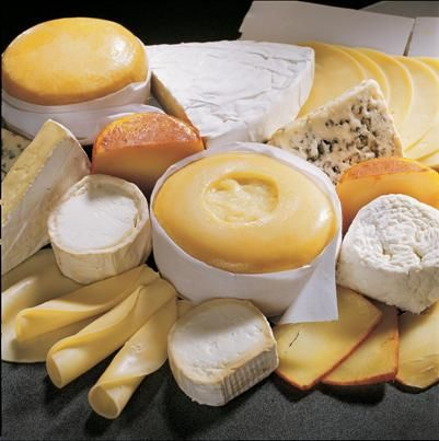 Artisanal Portuguese cheeses, only small quantities produced, and mostly on sale localy