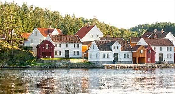Nyt ferier og fritid i strandkanten på Underøy.Eksklusive løsninger.