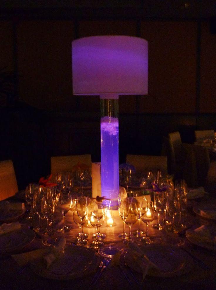 Centro de mesa en el sal n del bell rec maresme for Lampara mesa salon
