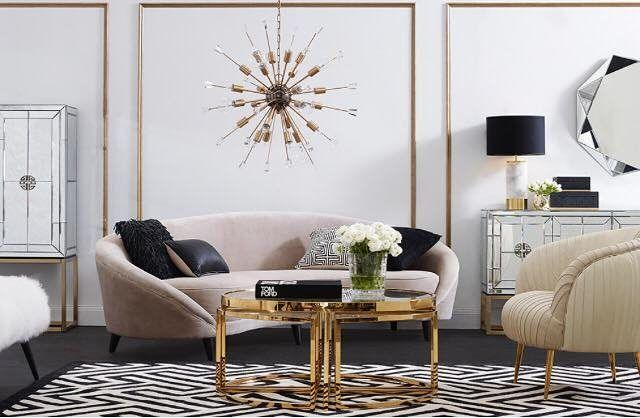 We just love this stunning elegant sitting room.  If you love your home youll love keekï