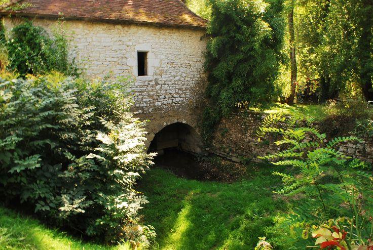 Des pierres pour le Moulin de St Sulpice, qui furent témoin d'une autre époque disparue !