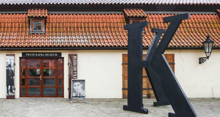 Cu rucsacul la spinare. Destinația: Muzeul Kafka din Praga