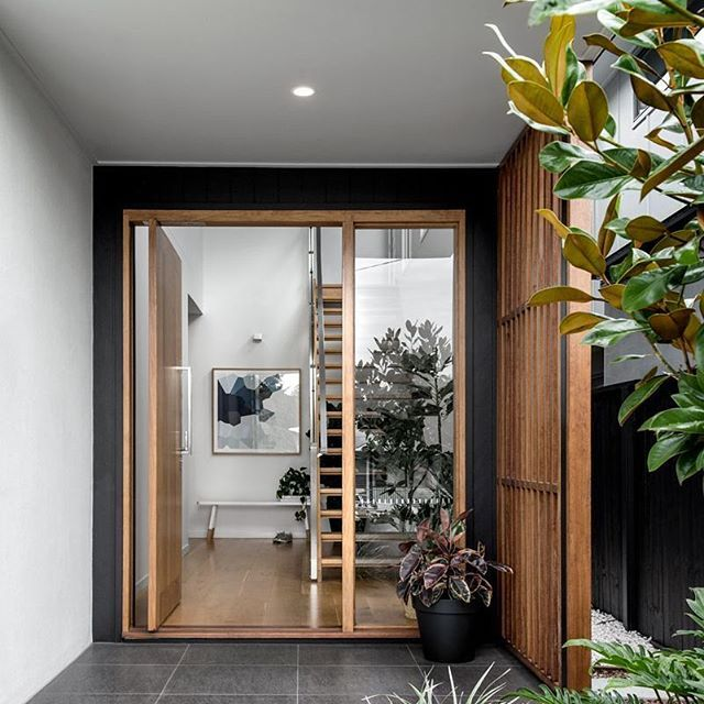 An entranceway to be proud of.. We love this sleek modern design by @Kalkahomes #australianarchitecture #architecture #exterior #exteriordesign #scyonwalls