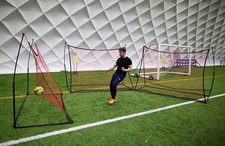 When 1 spot Elite Rebounder isn't enough! Spotted at Sheffield Wednesday F.C. training dome. Follow us on twitter to be in with a chance of winning one of these in our #giveaway  #quickplay #quickplaysport #swfc #coaching #soccerdrills #soccerpractice #footballdrills