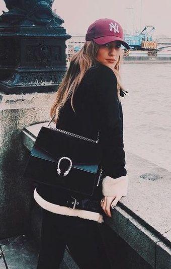 yankees cap + all black