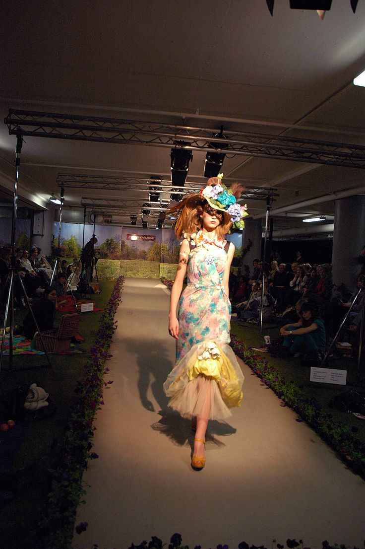 "Catwalk ""a picknick in a garage"" by Myrorna 2008. Stylist Rebecka Cohen. In collaboration with Pretto PR and Forsbergs."